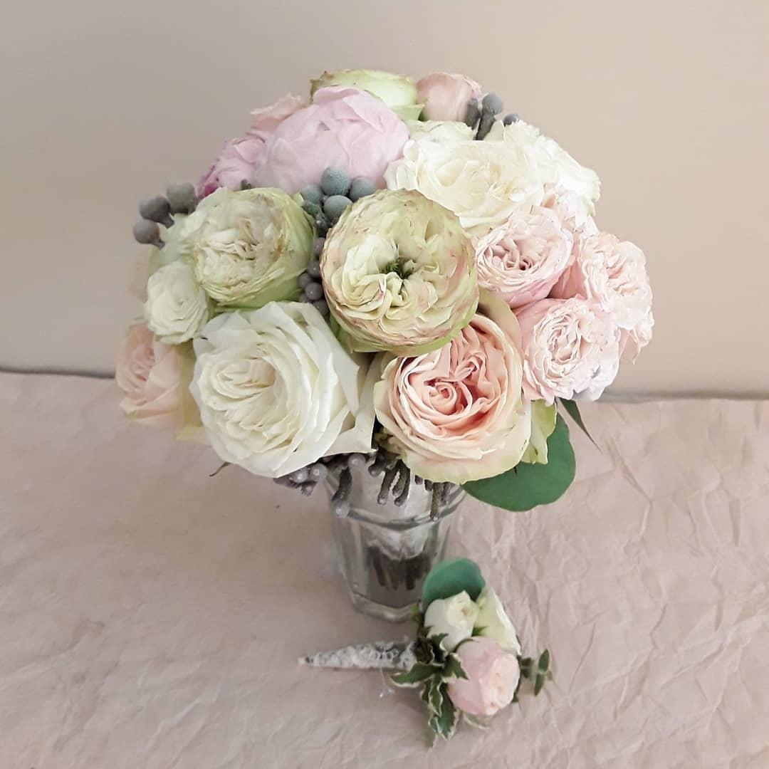 Букет невесты михнево, свадебные букеты из гвоздик саратов